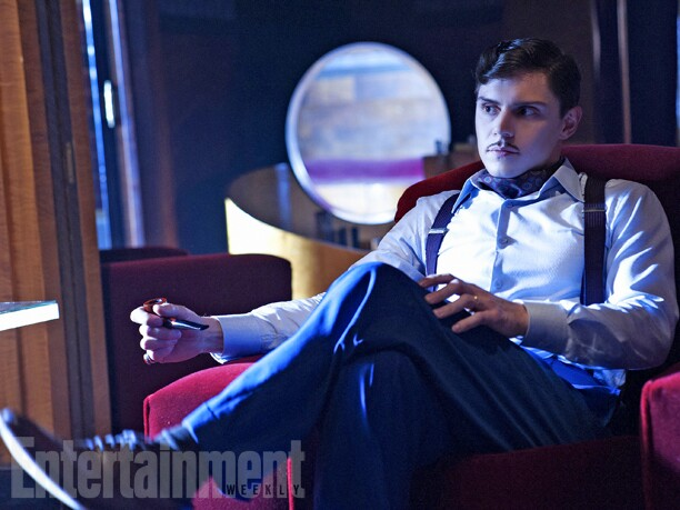 AHS-Hotel-Evan-Peters
