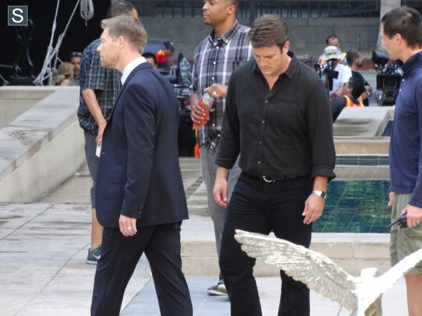 Castle - Season 7 - Set Photos - 31st July 2014 (2)_595_slogo