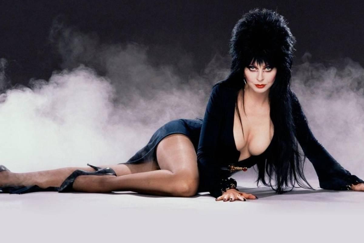 Intérprete de Elvira: A Rainha das Trevas enfrenta problemas com o seu novo  projeto