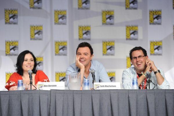 Family Guy Comic Con Panel 2 - [Comic-Con 2010] Painel de Family Guy: cantoria, fim das paródias de Star Wars e, quem sabe, Indiana Jones