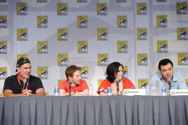 Family Guy Comic Con Panel 31 - [Comic-Con 2010] Painel de Family Guy: cantoria, fim das paródias de Star Wars e, quem sabe, Indiana Jones