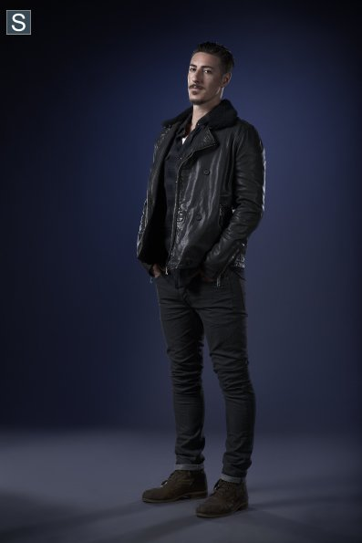 Haven - Season 5 - Cast Promotional Photos (4)_595_slogo