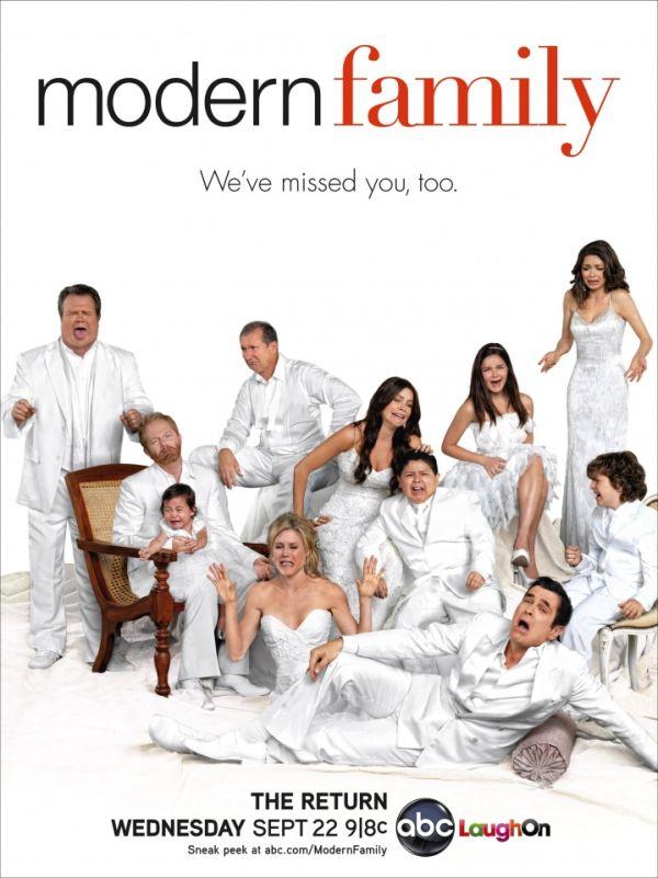 ModernFamily Season2 - Modern Family volta amanhã. E pôster mostra que eles também sentiram falta da gente