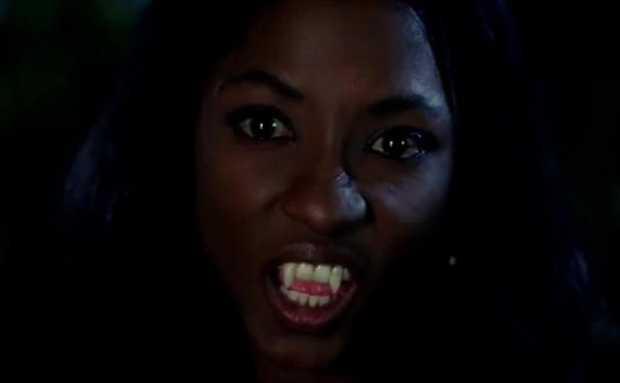 True Blood Tara Vampire 600x371 - [Review] True Blood S05E01-S05E03: como vai a nova comédia da HBO?