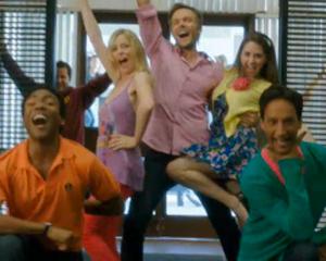 community musical 300 2110831154538 - NBC renova Community para uma quarta temporada de 13 episódios