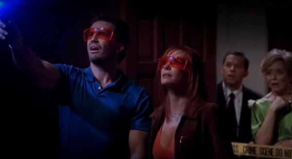cross tahm 01 - [Eu Assisti] O crossover entre Two And a Half Men e CSI... e adorei!