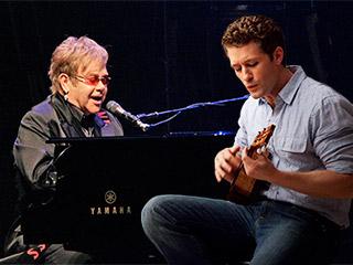 elton john Matthew Morrison 320 - Elton John vai trabalhar com Matthew Morrison no álbum de estreia do ator de Glee
