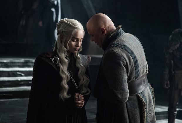 game of thrones series finale multiple endings season 8 emilia clarke - Produção de Game of Thrones não confia nem no elenco, e protege final da série gravando vários finais