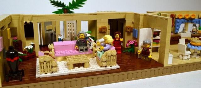 golden-girls-lego-set-10