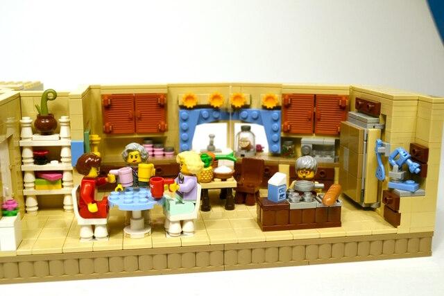 golden-girls-lego-set-13