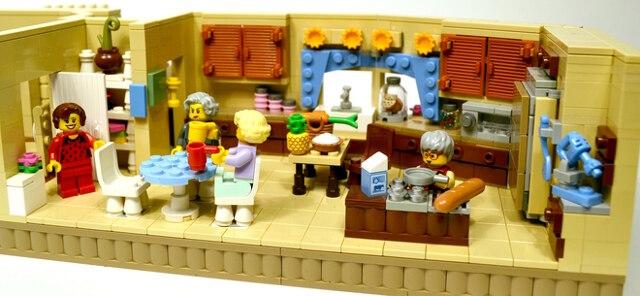 golden-girls-lego-set-15