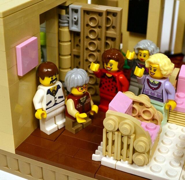 golden-girls-lego-set-8