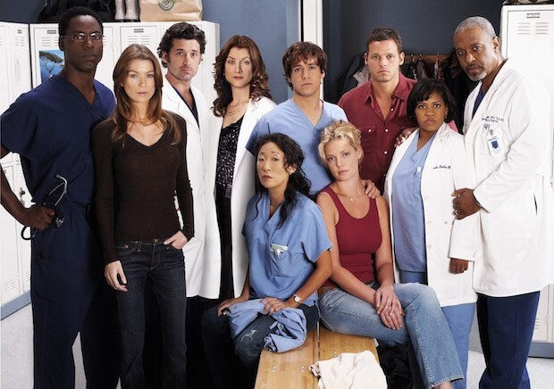 (STANDING) ISAIAH WASHINGTON, ELLEN POMPEO, PATRICK DEMPSEY, KATE WALSH, T.R. KNIGHT, JUSTIN CHAMBERS, CHANDRA WILSON, JAMES PICKENS, JR.; (SITTING) SANDRA OH, KATHERINE HEIGL