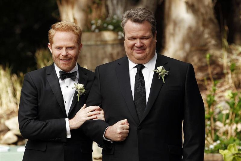 modern-family-wedding-cam-mitch