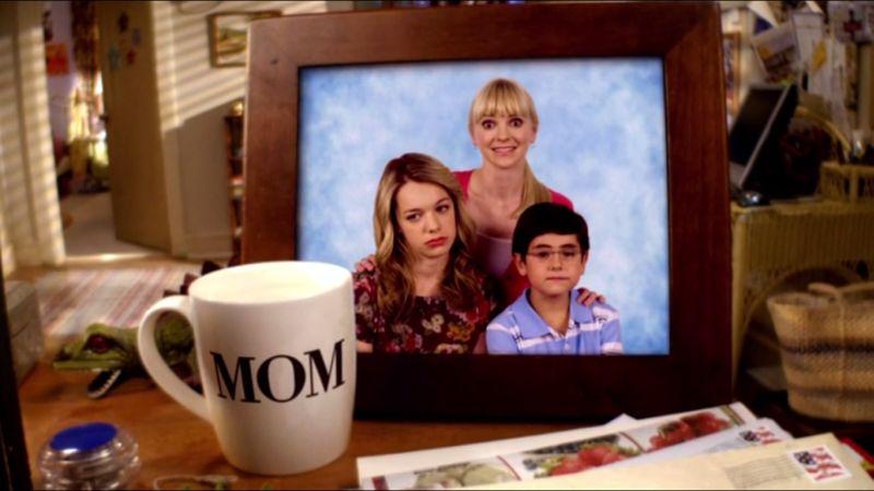 mom-cbs-00