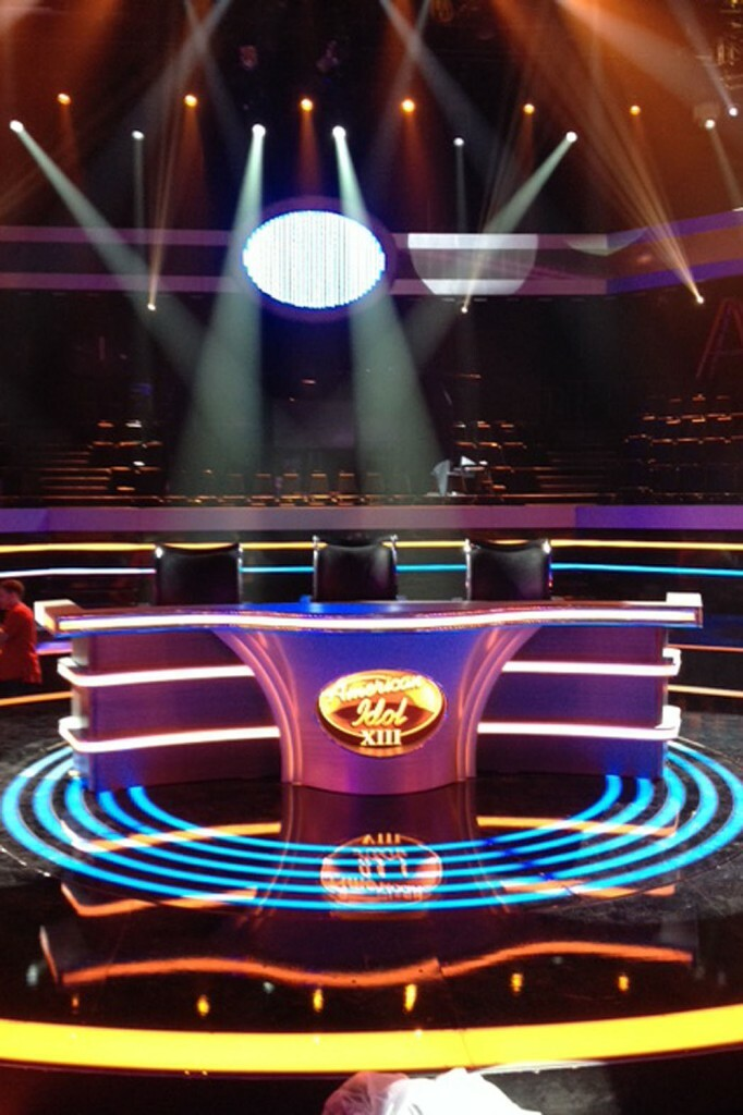 new_american_idol_stage_a-p