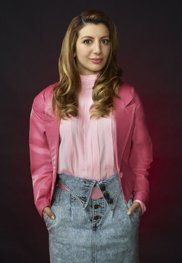 SCREAM QUEENS: Nasim Pedrad as Gigi in SCREAM QUEENS which debuts with a special, two-hour series premiere event on Tuesday, September 22 (8:00-10:00 PM ET/PT) on FOX. ©2015 Fox Broadcasting Co. Cr: Matthias Clamer/FOX.